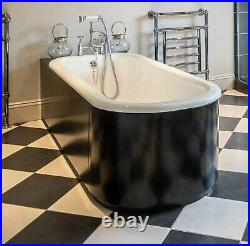 Roll Top Bath With Black Curved Surround